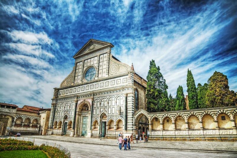 Vista delantera de la catedral de Santa Maria Novella fotografía de archivo