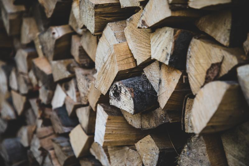 Vista delantera de los registros de madera del fuego imágenes de archivo libres de regalías