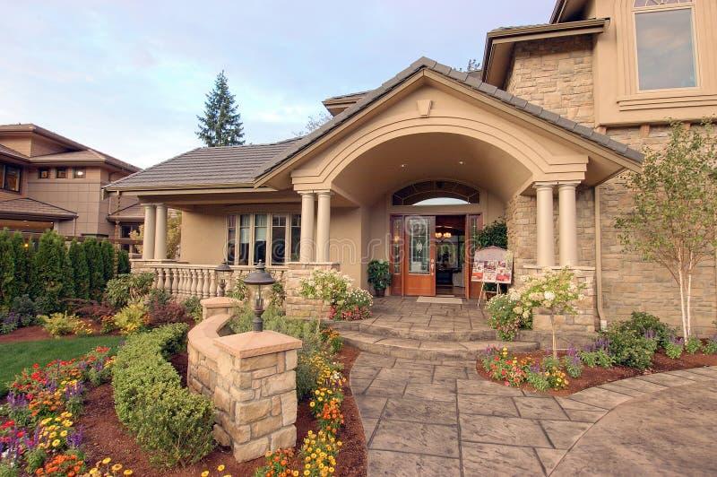 Vista delantera de una casa para la venta no.3 fotos de archivo libres de regalías