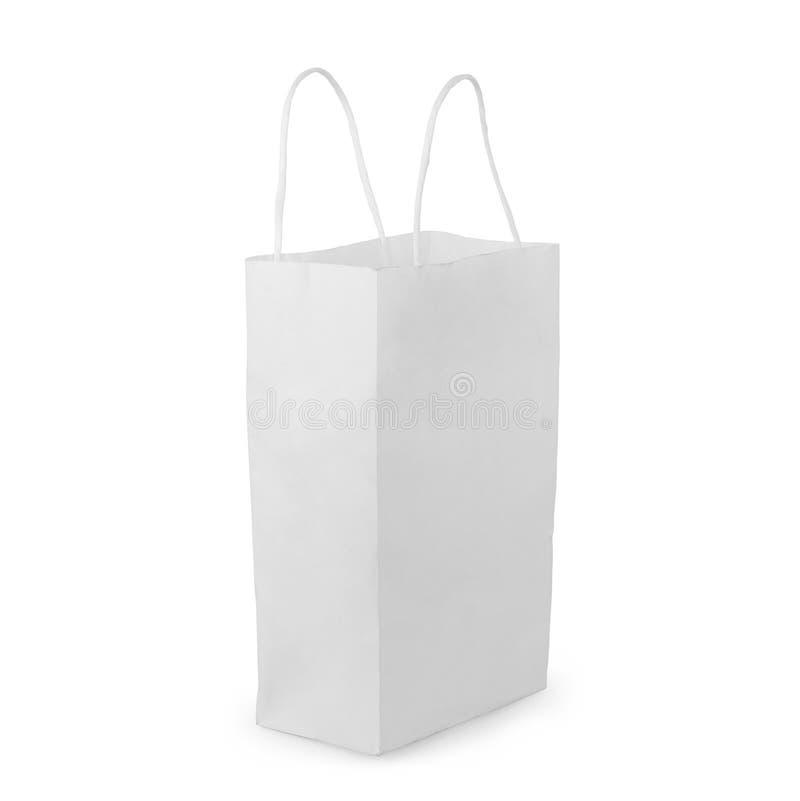 Vista delantera del paquete en blanco de la bolsa de papel del bocado aislado en blanco con la trayectoria de recortes fotografía de archivo libre de regalías