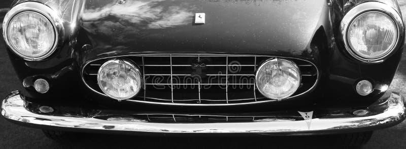 Vista delantera italiana clásica del coche de deportes imagen de archivo libre de regalías