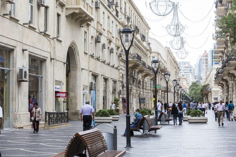 Vista dell'architettura, delle vie e delle costruzioni a Bacu, in Aze fotografia stock