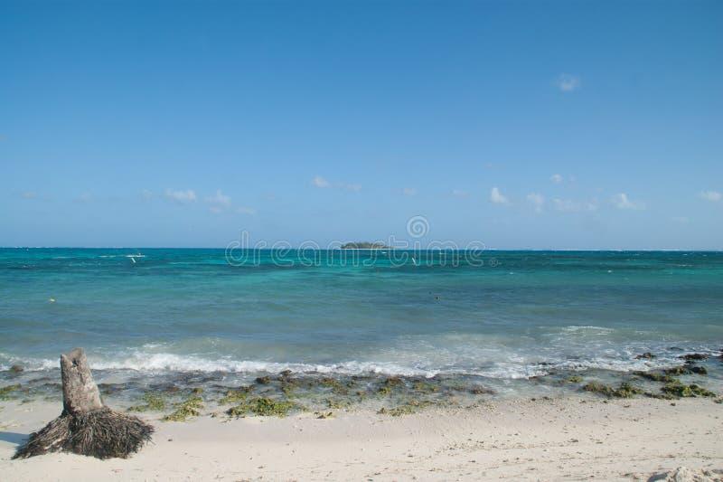 Vista dell'atollo di Johnny Cay da San Andres, Colombia fotografia stock
