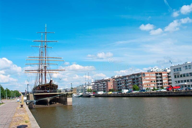 Vista dell'aura del fiume a Turku, Finlandia immagini stock