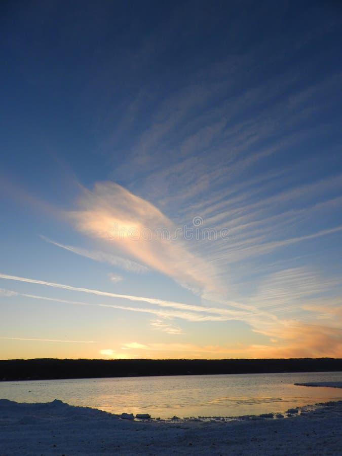 Vista dell'estremità del nord del lago cayuga durante l'inverno fotografia stock