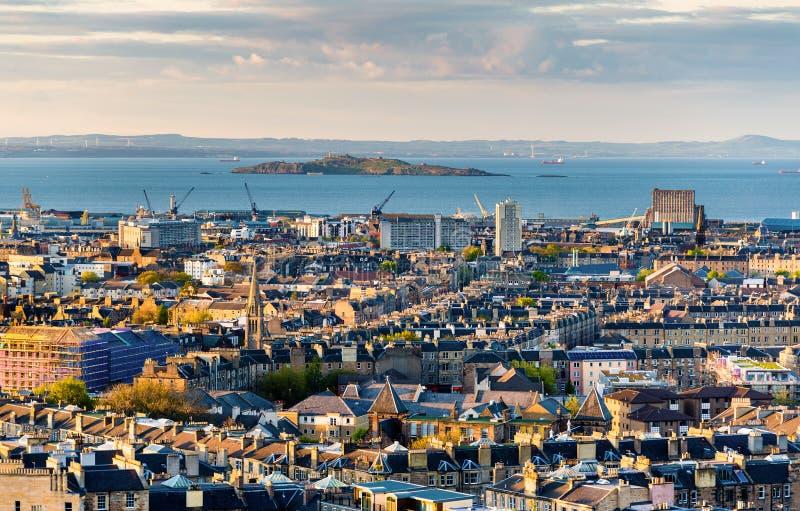Vista dell'estuario di avanti da Edimburgo immagini stock libere da diritti