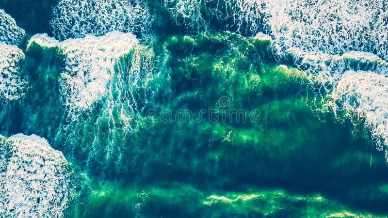 Vista dell'occhio del ` s dell'uccello sugli open water di pianeta Terra fotografia stock