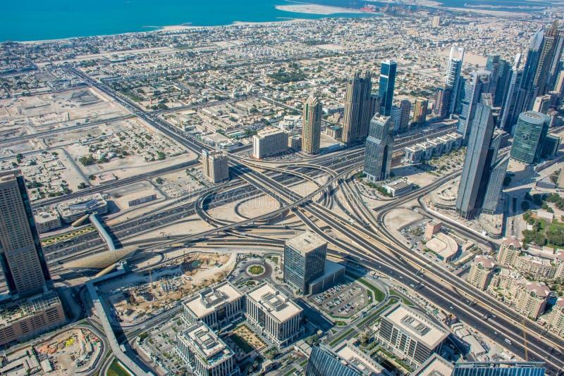 Vista dell'orizzonte del Dubai da Burj Al Khalifa immagine stock libera da diritti