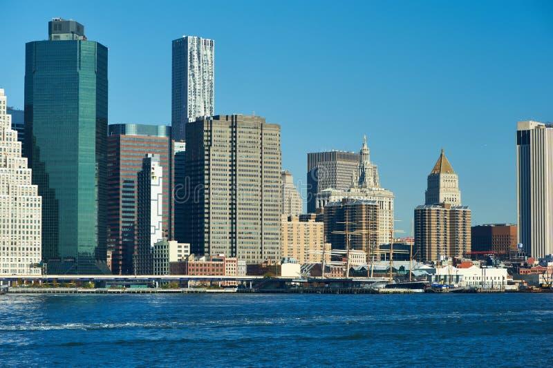 Download Vista Dell'orizzonte Del Lower Manhattan Da Brooklyn Immagine Stock - Immagine di architettura, famoso: 55351893