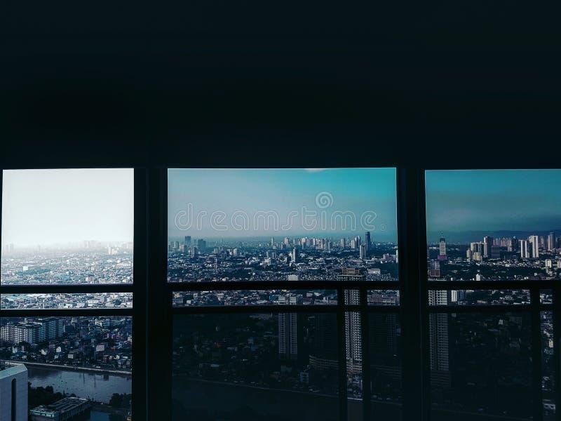 Vista dell'orizzonte di mattina in Makati fotografia stock