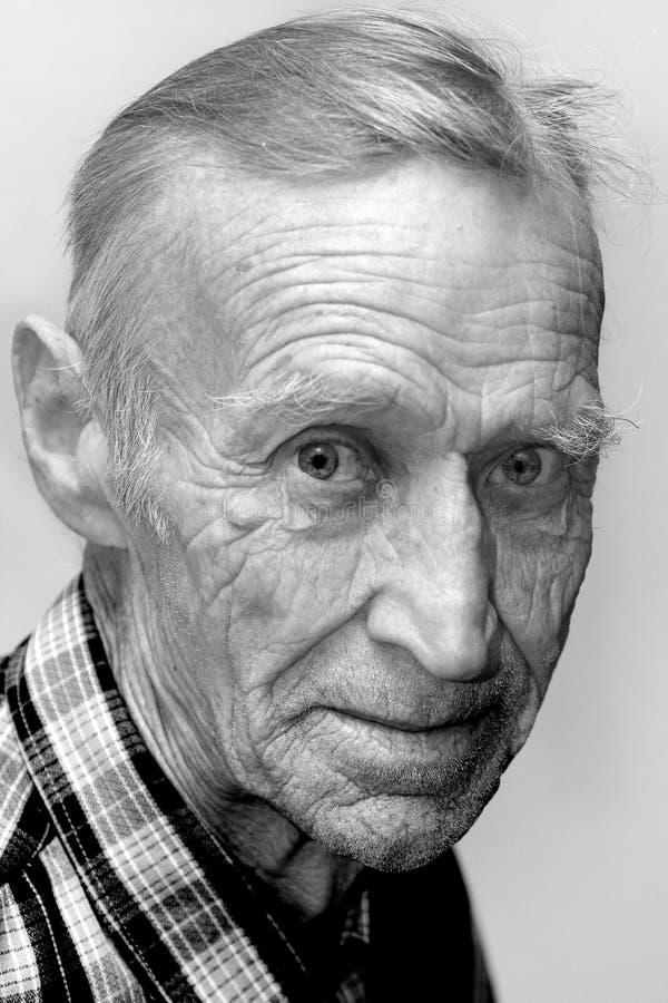 Vista dell'uomo anziano fotografia stock libera da diritti
