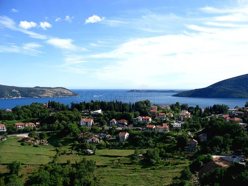 Vista della baia di Boka Kotorska, Montenegro immagini stock libere da diritti