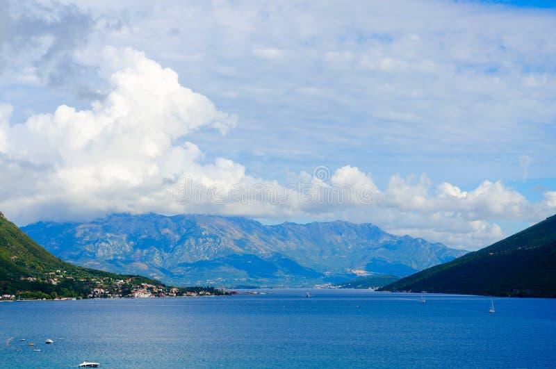 Vista della baia di Cattaro in Castelnuovo, Montenegro immagini stock libere da diritti