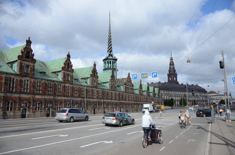 Vista della borsa valori di Borsen, Copenhaghen fotografia stock