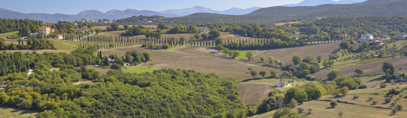 Vista della campagna italiana caratteristica Scena rurale nel rilassamento fotografia stock libera da diritti