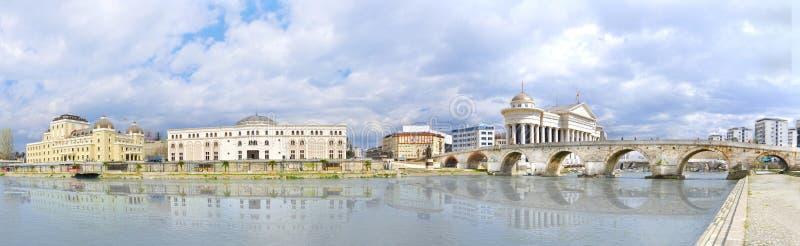 Vista della capitale della Macedonia - Skopje immagini stock libere da diritti
