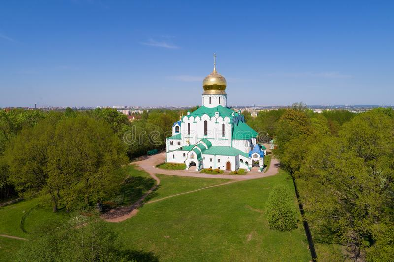 Vista della cattedrale di Fedorovsky, festa dei lavoratori soleggiata Tsarskoye Selo, St Petersburg fotografie stock