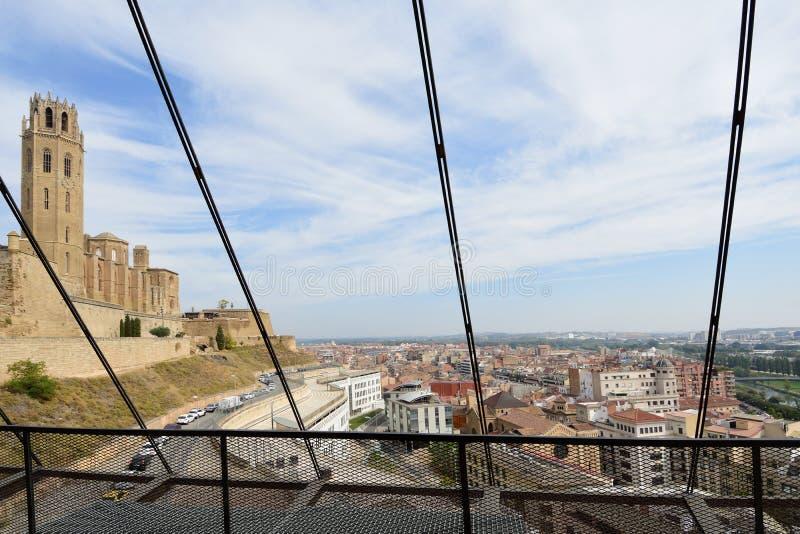 Vista della cattedrale, la Seu Vella, dall'ascensore, Leida, Catalogna, Spagna immagine stock