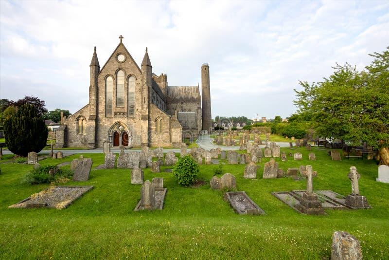 Vista della cattedrale della st Canices in Kilkenny in Irlanda fotografia stock libera da diritti