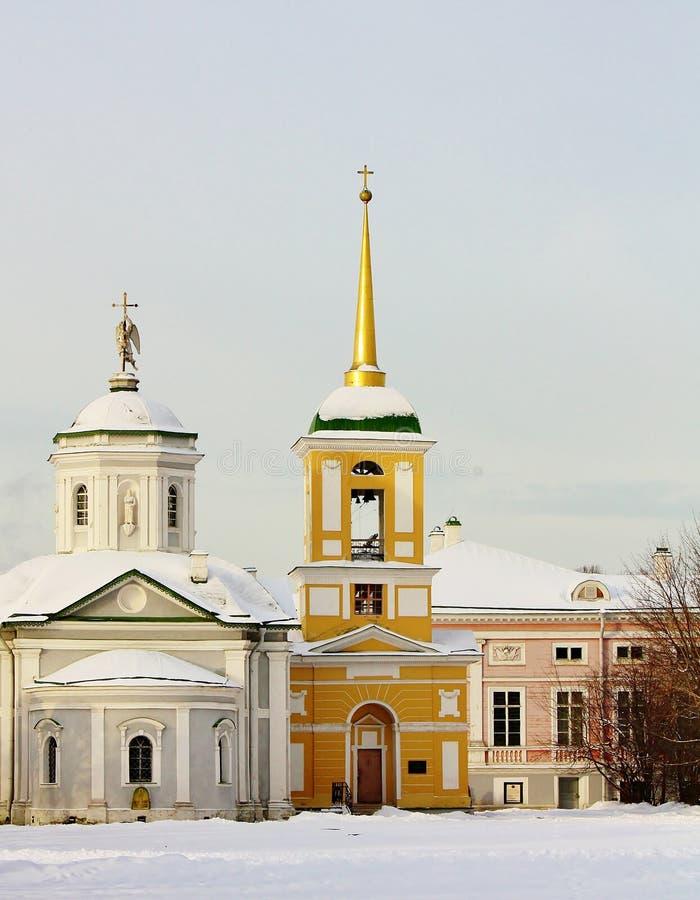 Vista della chiesa del palazzo nella proprietà di Kuskovo immagine stock