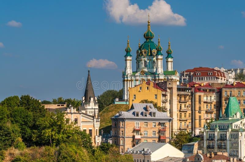 Vista della chiesa di St Andrew - Kyiv, Ucraina fotografia stock