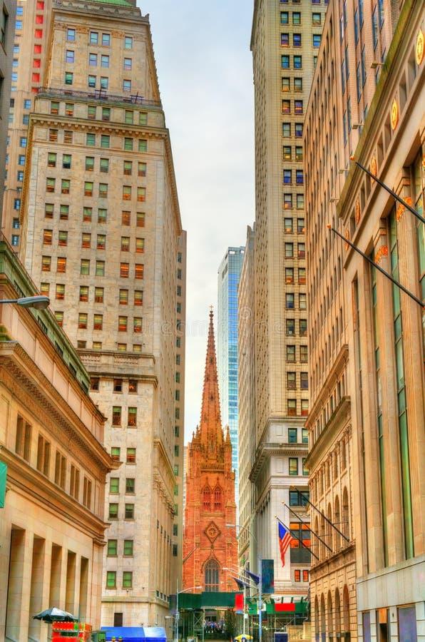 Vista della chiesa di trinità in Manhattan, New York immagine stock