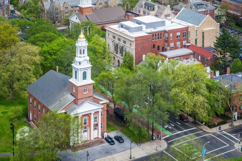 Vista della chiesa unita sul verde, a New Haven, Connecticut fotografia stock libera da diritti