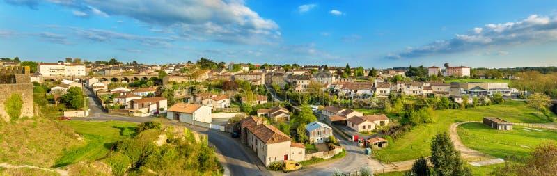 Vista della città dal castello - Francia di Bressuire immagini stock