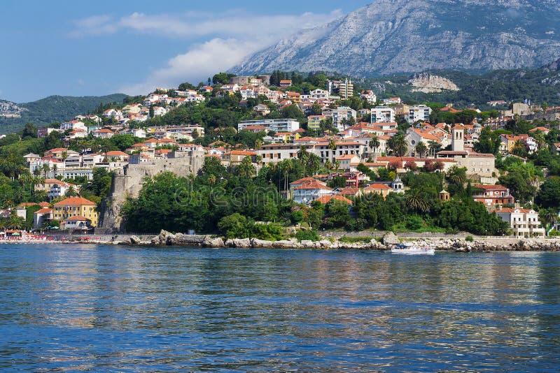Vista della città dal mare, Castelnuovo, Montenegro fotografia stock libera da diritti
