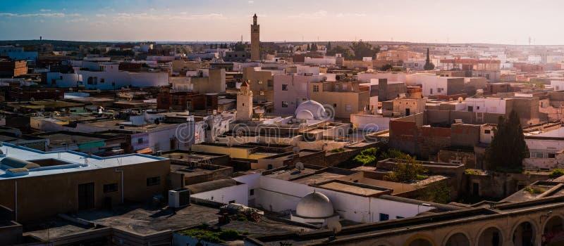 Vista della città del EL Jem, Tunisia fotografia stock