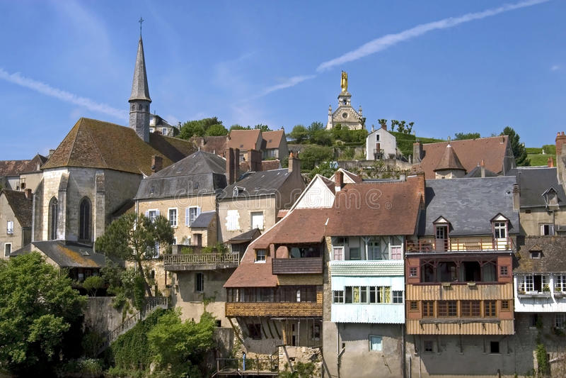 Vista della città della Argenton-sur-Creuse, Francia immagine stock libera da diritti