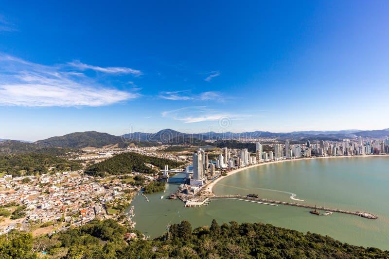 Vista della città della spiaggia di Balneario Camboriu Santa Catarina immagini stock
