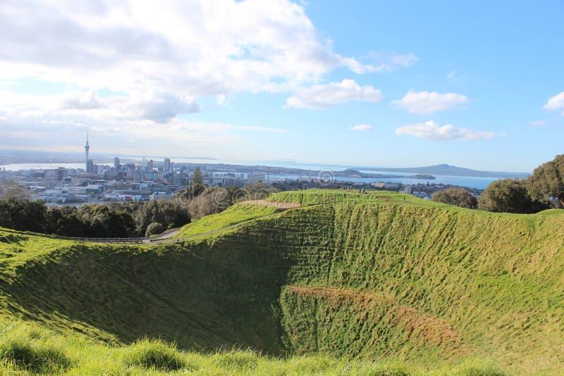 Vista della città di Auckland dal Mt l'Eden fotografia stock libera da diritti