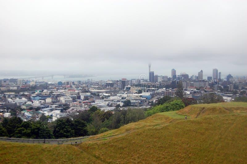 Vista della città di Auckland dal supporto l'Eden fotografia stock