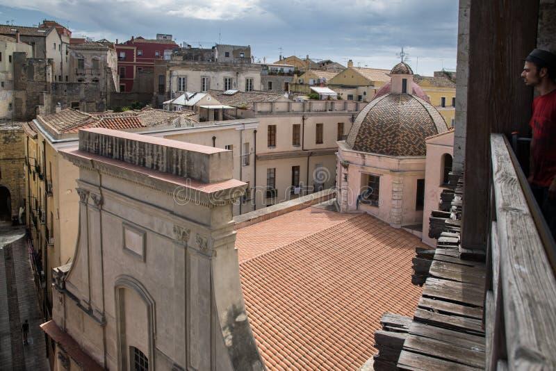Vista della città di Cagliari dalla cima della torre dell'elefante immagine stock