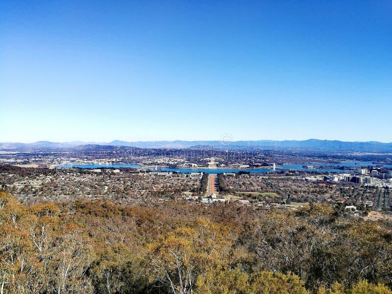 Vista della città di Canberra immagine stock