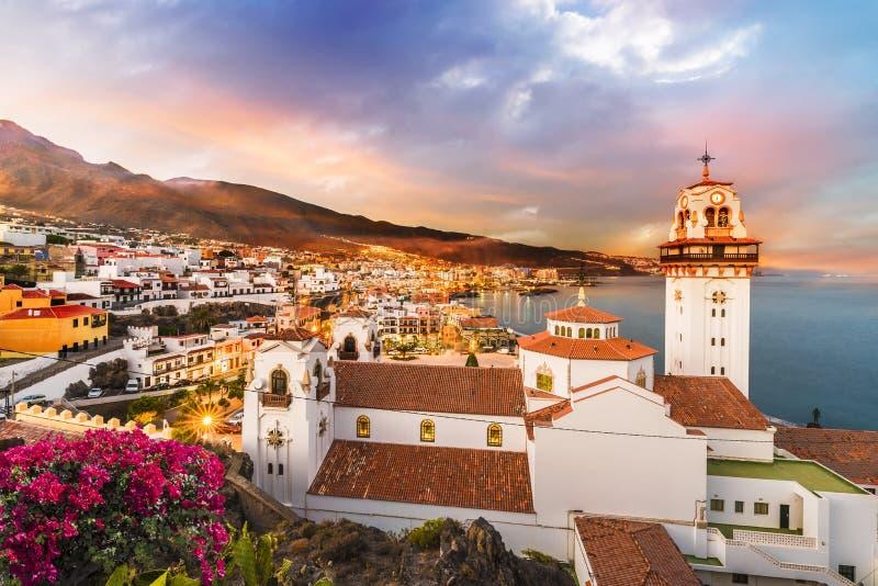 Vista della città di Candelaria in Tenerife immagini stock libere da diritti