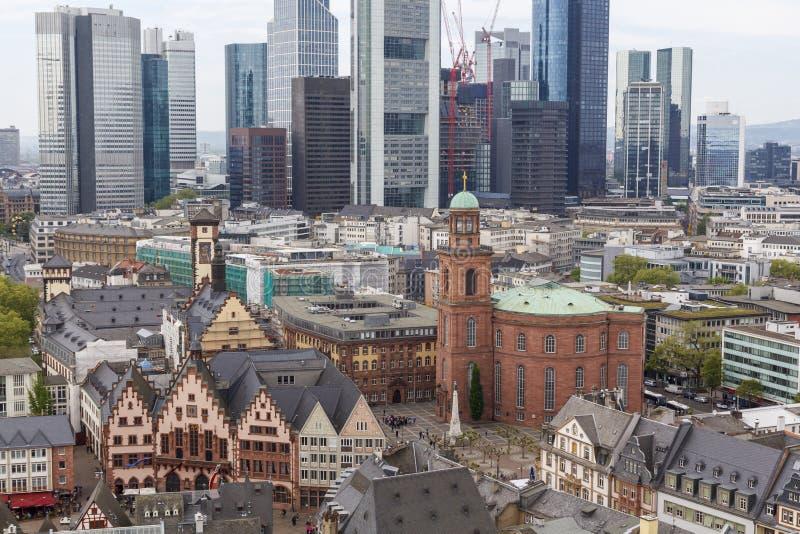 Vista della città di Francoforte fotografia stock