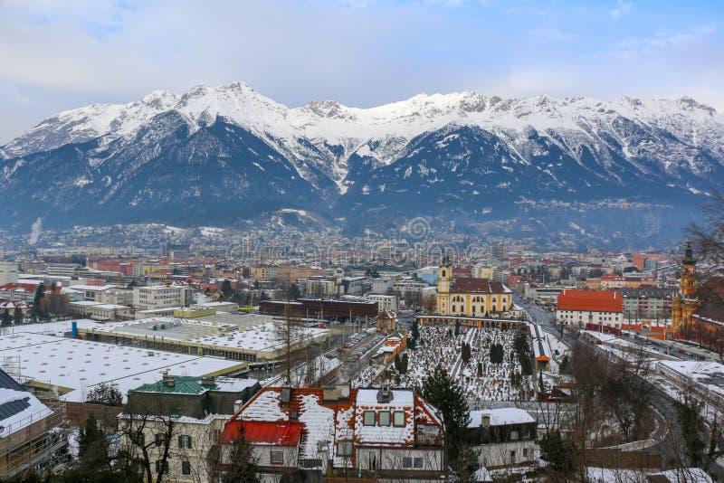 Vista della città di Innsbruck fotografie stock