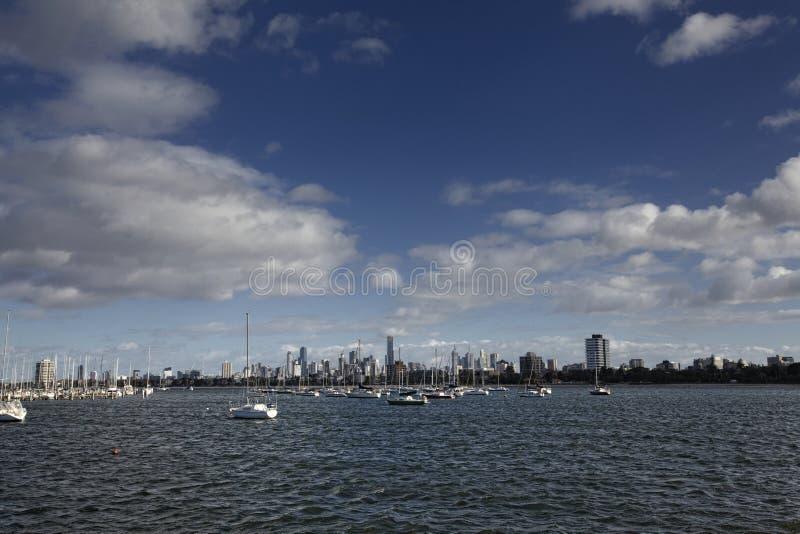 Vista della città di Melbourne dalla st Kilda fotografie stock libere da diritti