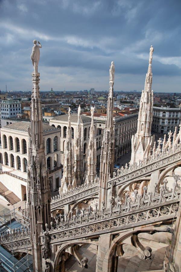 Vista della città di Milano, Italia immagini stock