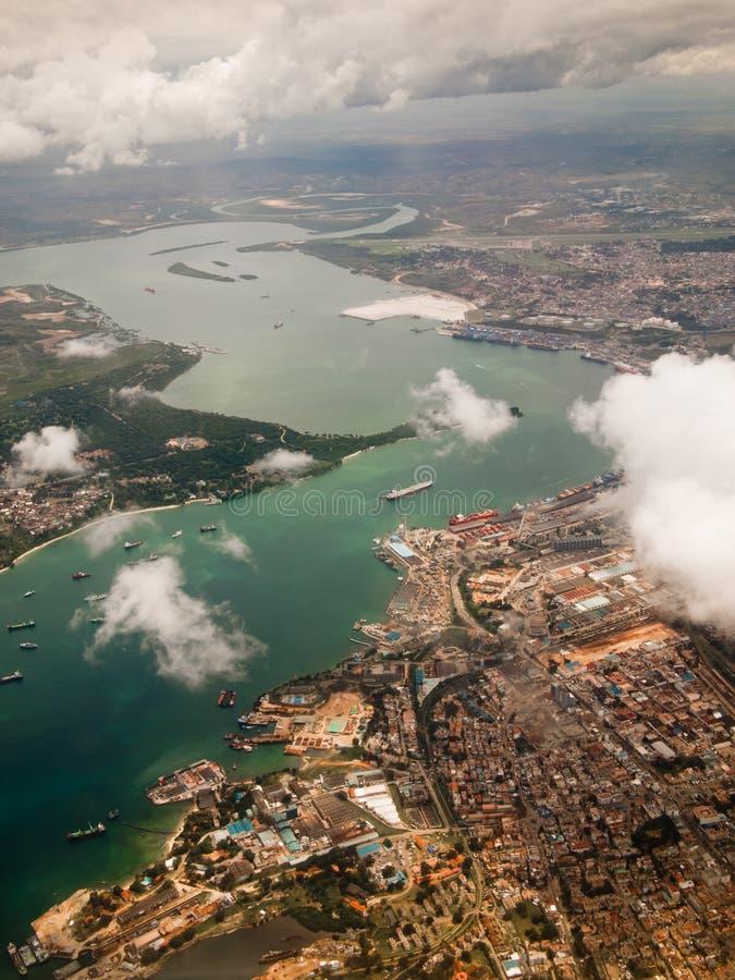 Vista della città di Mombasa da sopra  fotografie stock