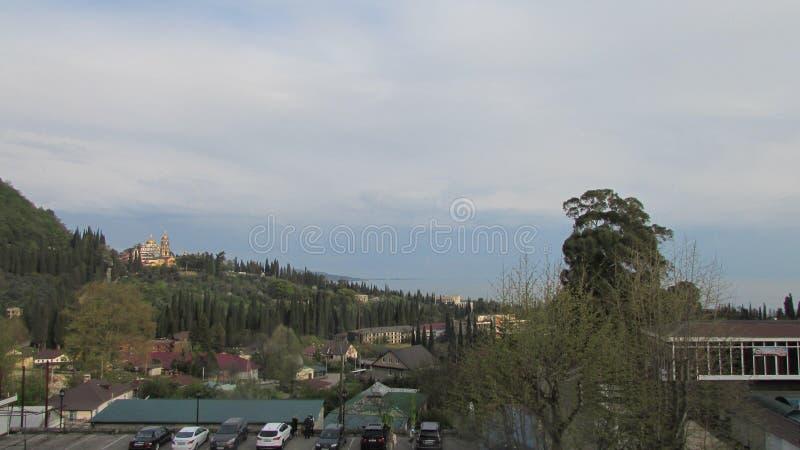 Vista della città di nuovo Athos dalla montagna fotografie stock libere da diritti