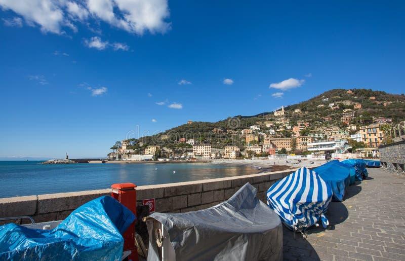 Vista della città di Recco, Genoa Genova Province, Liguria, costa Mediterranea, Italia fotografie stock libere da diritti