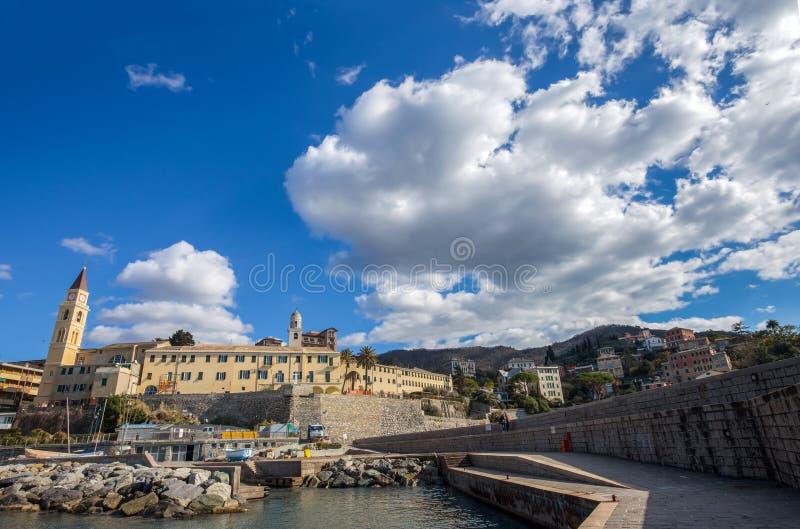 Vista della città di Recco, Genoa Genova Province, Liguria, costa Mediterranea, Italia fotografie stock
