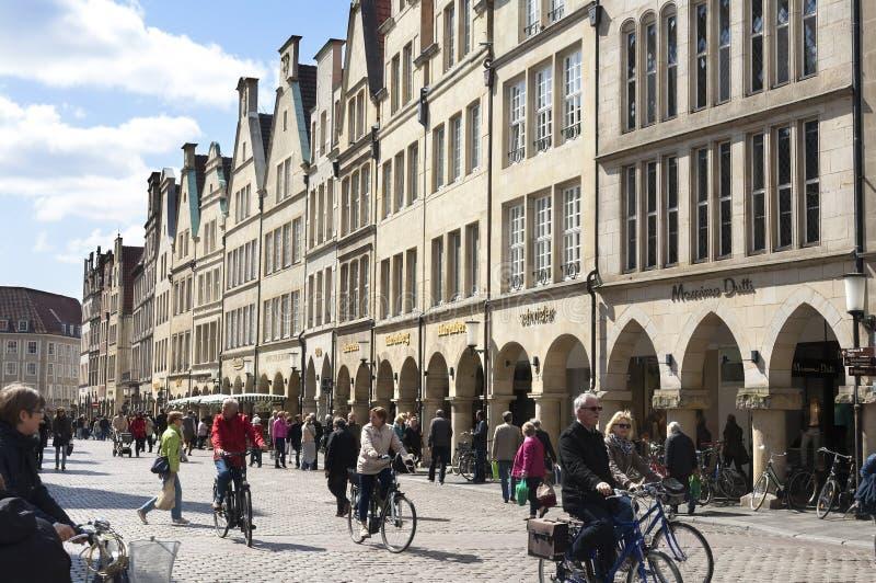 Vista della città, vita di via, nster del ¼ di MÃ, Germania immagini stock libere da diritti