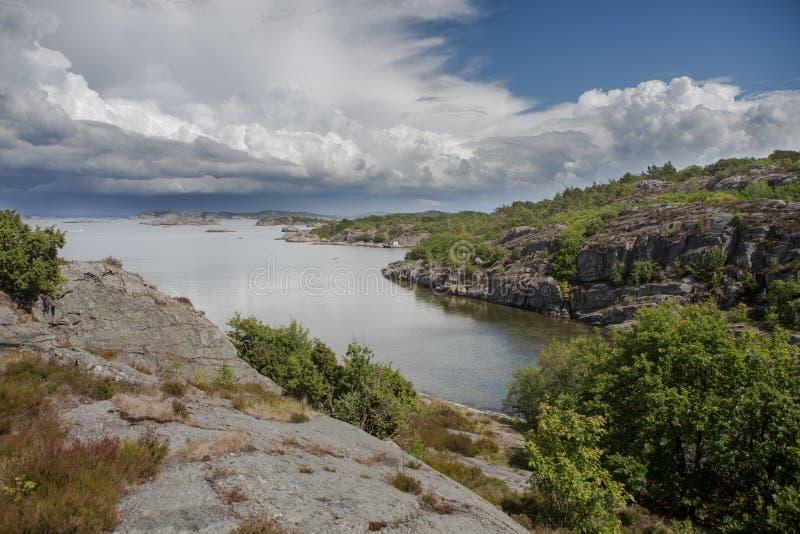 Vista della costa svedese fotografie stock