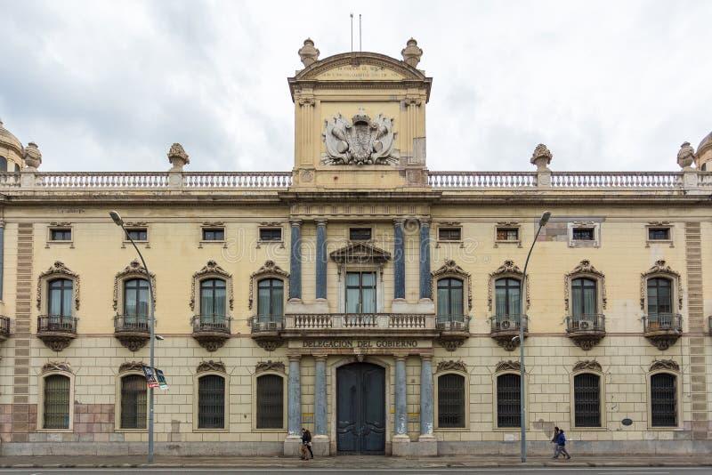 Vista della costruzione della facciata, delegazione del governo di Barcellona, Barcellona, Spagna immagini stock libere da diritti