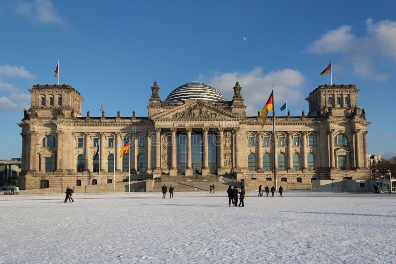 Vista della facciata della costruzione di Reichstag (Bundestag) a Berlino, GE immagine stock libera da diritti