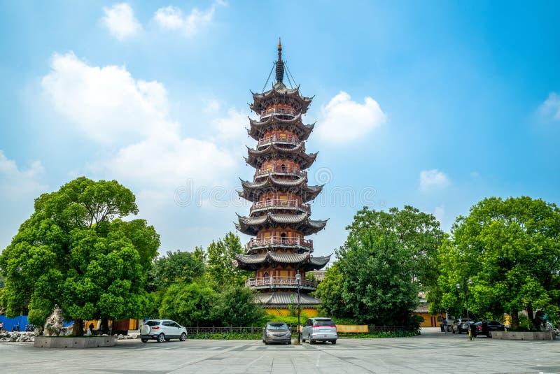 Vista della facciata di Longhua Temple a Shanghai, Cina immagine stock libera da diritti